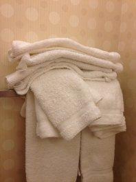 białe ręczniki